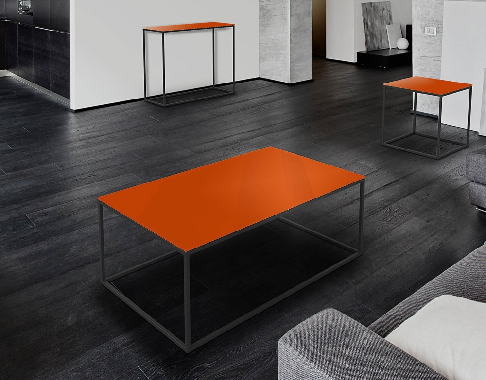 Table basse julia laqu orange acier peinture noire epoxy for Table basse orange